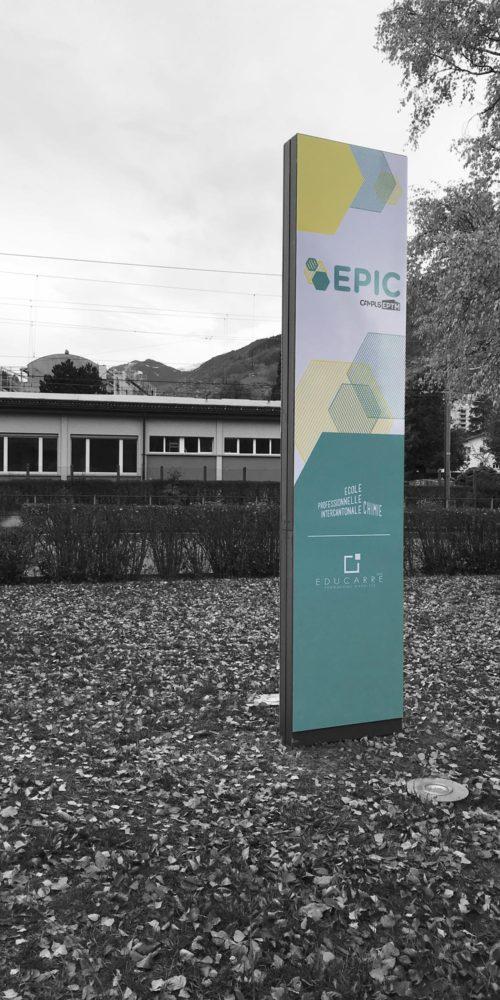 Totem signalétique pour l'école Epic