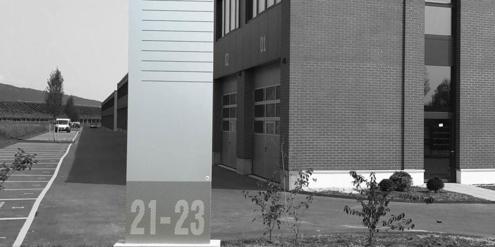 Totem signalétique pour le quartier street box